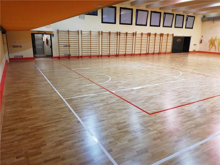 山东省菏泽市东明县合力篮球俱乐部篮球龙8国际授权网站铺装完成