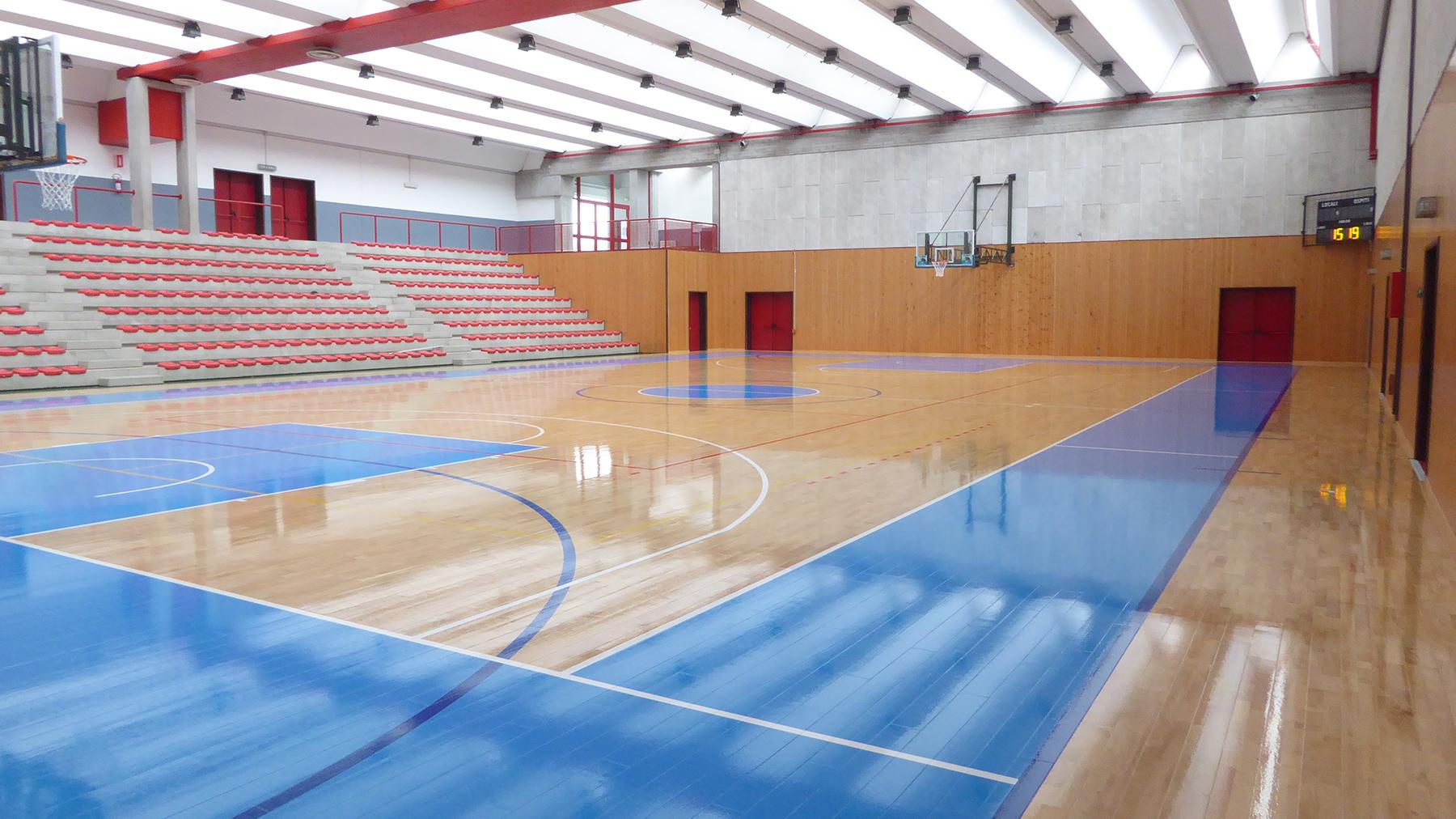 中原职业技术学院龙8国际平台入口馆篮球场龙8国际授权网站地面工程施工(图1)